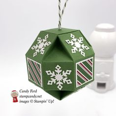 Snowfall Thinlits, Snowflake Showcase, faceted ornament, Christmas ornament, Stampin' Up! christmas fireplace Dashing Along Snowflake Showcase Faceted Ornament Classy Christmas, 3d Christmas, Christmas Paper Crafts, Stampin Up Christmas, Christmas Items, Christmas Projects, Diy Christmas Fireplace, Diy Christmas Snowflakes, Snowflake Craft