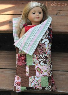 American Girl doll sleeping bag no tutorial, but maybe i could figure it out. American Girl Crafts, American Girl Clothes, Girl Doll Clothes, American Girls, American Lady, Sewing Dolls, Ag Dolls, Girl Dolls, American Girl Accessories