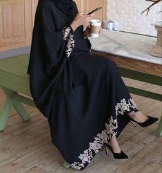 Niqab Fashion, Modern Hijab Fashion, Hijab Fashion Inspiration, Muslim Fashion, Modest Fashion, Kimono Fashion, Fashion Outfits, Mode Abaya, Mode Hijab