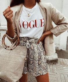 snake skin shorts with a vogue t-shirt and tan blazer. Visit Daily Dress Me at d… 2019 – Sommerkleider Trend 2019 Fashion 2018, Look Fashion, Street Fashion, Trendy Fashion, Womens Fashion, Fashion Trends, Trendy Style, Ladies Fashion, Feminine Fashion