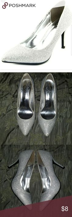 143 Girl Owanda Pumps Great condition, like new No box Perfect For wedding,  prom, ball, formal, dressy shiny Cinderella heels Price Firm 3.5 in heel  Smoke And Pet Free Home  Check my other listings for similar items 143 Girl Shoes Heels