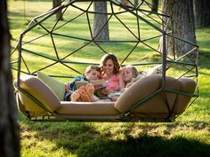 Kodama Zomes: Hanging lounge chairs that let families sway in nature | Inhabitots