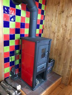 De ombouw van een bouwkeet naar een tiny house of pipowagen Arcade Games, Filing Cabinet, Tiny House, Storage, Furniture, Home Decor, Purse Storage, Decoration Home, Room Decor