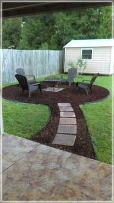 Who said DIY and budget décor must look cheap? This blog post is all about showing you great ideas on backyard upgrades on a budget you can assemble at your taste. Either you have a small garden or a long backyard; there are landscaping, furniture and décor ideas low on price yet million-bucks looking you can get! These backyard upgrades on a budget promise to help you in getting the best result with the lowest prices! #patiodecor #backyards #backyarddiy #frontyard Backyard Patio Designs, Backyard Projects, Front Yard Landscaping, Backyard Seating, Acreage Landscaping, Outdoor Landscaping, Diy Patio, Backyard Ideas On A Budget, Landscaping Borders