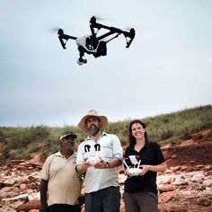 Drones give palaeontologists a bird's eye view of ancient dinosaur footprints in WA's north | A team is halfway through a three-year project to document hundreds of dinosaur footprints that were left along the West Kimberley coast about 130 million years ago.