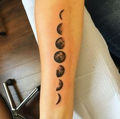 Why are forearm tattoos popular? For many, the forearm is the first place to get a tattoo on because the wearer himself can admire the beauty of his forearm tattoo. Back Of Forearm Tattoo, Cool Forearm Tattoos, Badass Tattoos, Finger Tattoos, Body Art Tattoos, Tatoos, Leo Tattoos, Epic Tattoo, Dream Tattoos