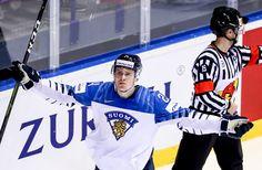 """Kaapo Kakko keräsi taas ylisanoja Ruotsin kiekkoasiantuntijoilta - """"Ei ole oikein, että 18-vuotias on jo noin hyvä""""   Yle Urheilu   yle.fi Hockey Baby, Ice Hockey, New York Rangers, Nhl, Babies, My Love, Boys, Sports, Babys"""