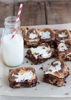 S'mores Brownies   http://www.portuguesegirlcooks.com/2012/05/smores-brownies/