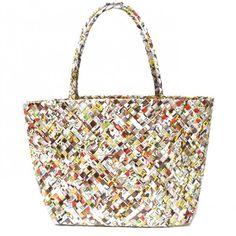 Veske av resirkulert emballasje Tote Bag, Bags, Fashion, Handbags, Moda, Fashion Styles, Tote Bags, Totes, Lv Bags