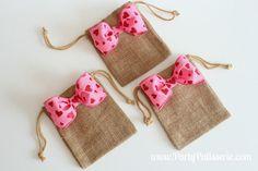 Bow Burlap Bags Set