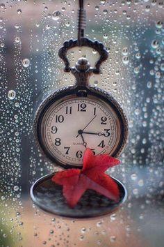 Clock Necklace, Old Keys, Old Watches, Emoji, New Beginnings, Rainy Days, Night Skies, Iphone Wallpaper, Decoupage