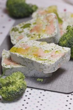 Discover recipes, home ideas, style inspiration and other ideas to try. Seafood Appetizers, Healthy Appetizers, Seafood Recipes, Keto Recipes, Healthy Recipes, Food In French, Salmon Terrine, Chef's Choice, Breakfast On The Go