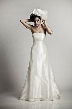 Silke brudekjole fra brudekjoler-weddingdeluxe i stenløse. Brudekjole butik i Stenløse. Brudekjoler i alle størrelser.