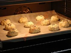Unsuz Poğaça Diet Recipes, Hamburger, Muffin, Food And Drink, Keto, Cookies, Breakfast, Desserts, Layette