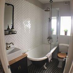19 Exciting Bathtub Shower Combo Ideas For Wonderful Bathroom Area Design ~ Best Dream House Clawfoot Tub Shower, Bathtub Shower Combo, Shower Over Bath, Shower With Tub, Corner Tub Shower Combo, Corner Bath, Rustic Bathroom Decor, Bathroom Styling, Bathroom Interior Design