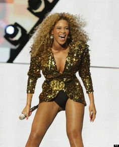 """""""Beyonce Makes History With Amazing Perfomance At Glastonbury Festival"""" -- obsessed with her Glastonbury outfit!"""