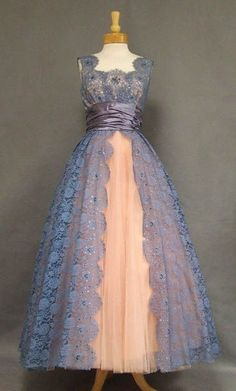 ball gow in cornflower blue lace and a fine gauge pink tulle Vintage Prom, Vintage Gowns, Mode Vintage, Vintage Outfits, Vintage Clothing, Vintage Lace, Vintage Dresses For Teens, A Line Prom Dresses, Prom Party Dresses