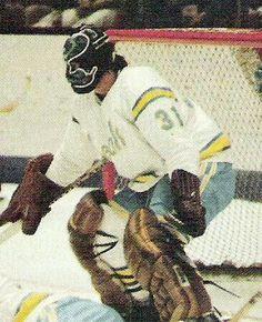 Gary Simmons Hockey Goalie, Hockey Teams, Sports Teams, Hockey Players, Cool Pictures, Cool Photos, My Photos, Gary Simmons, My Childhood Friend