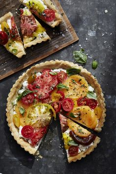 Tomato Recipes Heirloom Tomato Tart with Ricotta and Basil - We're all about everything tomato this summer — and we have all the recipes you need to join the party. Below is a sampling of 101 delicious . I Love Food, Good Food, Yummy Food, Heirloom Tomato Tart, Tomato Tart Puff Pastry, Heirloom Tomatoes, Vegetarian Recipes, Cooking Recipes, Scones