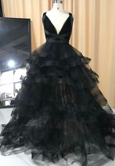New Real Samples Classic Black Long Organza Sexy V Neck Evening Dresses 2017 Criss-Cross Party Gown Elegant Dress Click visit to check price Party Gowns, Party Dress, Cute Dresses, Girls Dresses, Beautiful Dresses, Celebrity Inspired Dresses, Ruffles, Lace Evening Dresses, Evening Gowns