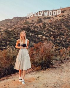 Amazing shot at the Hollywood Sign, Los Angeles, California. Leonie Hanne, Bow Skirt, Los Angeles Travel, Hollywood Sign, California Style, California Fashion, California Pictures, Foto Pose, Happy Women