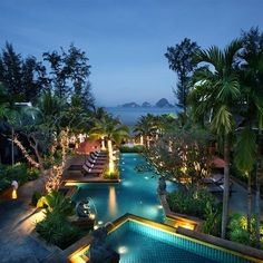 """Ladies with an attitude, Fella's that were in the mood, Don't just stand there, let's get to it. Strike a pose there's nothing to it ..... AmaRi """"VOGUE"""" Krabi. #amarivogue #krabi #luxury #luxurylife #beachlife #pool #lights #sunbaking #cocktails #relax #thailand #thailandluxe"""