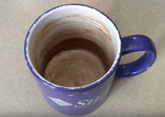 Removing coffee stains from mugs is the easiest thing in the world if you use THIS trick!