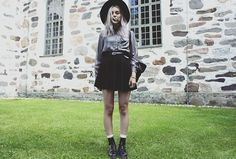 Gina Tricot Hat, Gina Tricot Shirt, 2nd Hand Backpack, Dr. Martens Boots