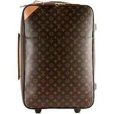 Louis Vuitton Love!  <3 Leather Suitcase, Leather Luggage, Handbags Online, Purses And Handbags, Lv Luggage, Louis Vuitton Shop, Travel Chic, Vacation Packing, Perfect Wardrobe