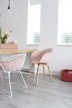 Inspiration to see the color pink in a Scandinavian interior of my … – toptrendpin. Boutique Interior Design, Home Interior Design, Interior Decorating, Interior Shop, Decorating Games, Flat Interior, Interior Doors, Shop Interiors, Scandinavian Interior