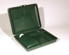 Eväasrasia ja siihen sopiva taskumatti. Lunchbox and flask. Made in Finland.