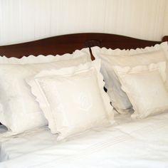 Lenjerie de pat din bumbac 100%, model cu dantelă - LNJ-58 - ArtDecor Bed Pillows, Pillow Cases, Model, Embroidery, Pillows, Scale Model, Models, Template