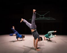 SIDES 2017 is a flurry of movement, full of detail and dynamism. It may be a good way to be introduced to the potentialities of contemporary dance, with playfulness and endless movement invention taking centre stage. The dancers are frequently witty and droll as they present perspectives of an