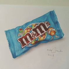 Drawing of an M&M chocolate bag with color pencils and markers. Inspired by Marcello Barenghi. Colored Pencil Artwork, Color Pencil Art, Pencil Art Drawings, Colored Pencils, Sweet Drawings, Realistic Drawings, Colorful Drawings, Candy Drawing, Food Drawing