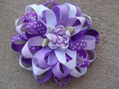 Diy Ribbon Flowers, Ribbon Flower Tutorial, Flower Hair Bows, Hair Bow Tutorial, Ribbon Hair Bows, Diy Hair Bows, Bow Hair Clips, Fabric Flowers, Flower Headbands