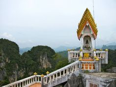 """#thailand #krabi """"Thailand - Von Tigern und Tempeln"""" Lies mehr über Tiger auf www.goodmorningworld.de"""