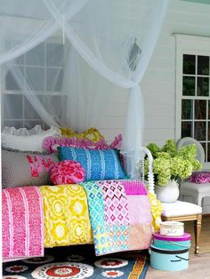 Old bed with colorful pillows and throws for porch furniture. Outdoor Spaces, Outdoor Living, Outdoor Beds, Outdoor Bedroom, Outdoor Fun, Small Front Porches, Colorful Quilts, Bright Quilts, Colorful Pillows
