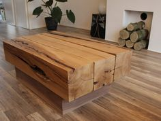 Mesas con vigas de madera.