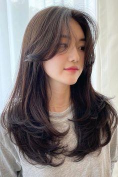 Haircuts Straight Hair, Haircuts For Medium Hair, Long Hair Cuts, Medium Hair Styles, Curly Hair Styles, Side Bangs With Medium Hair, Asian Hair Bangs, Haircuts For Girls, Side Bangs With Long Hair