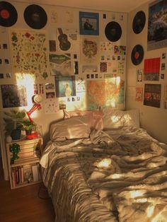 Room Design Bedroom, Room Ideas Bedroom, Bedroom Decor, Bedroom Inspo, Retro Room, Vintage Room, Indie Room Decor, Aesthetic Room Decor, Cozy Room