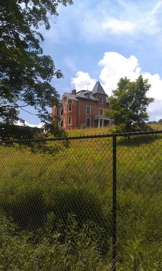 Graham Mansion in Wytheville, VA Wytheville Virginia, Places To Travel, Places To Visit, Greek Revival Home, Cabbage Head, New Hospital, Rural Retreats, Ghost Hunting, Great Pictures
