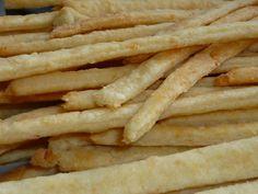 Palitos de queijo   Assado   Receitas Gshow Food Net, Whoopie Pies, Kefir, Four, Finger Foods, Sweet Recipes, Tapas, Food And Drink, Appetizers