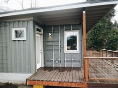 Beautiful Container House in Oregon - Living in a Container Shipping Container Cabin, Shipping Container Home Designs, Container House Plans, Container House Design, Small House Design, Shipping Containers, Zero Energy Building, Cascade Locks, Oregon Living
