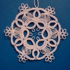 ...vločka 6 - fotoalba uživatelů - Dáma.cz Shuttle Tatting Patterns, Needle Tatting Patterns, Crochet Snowflakes, Snowflake Pattern, Leather Jewelry Making, Tatting Earrings, Lacemaking, Yarn Thread, Tatting Lace