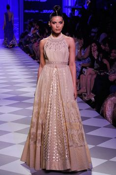 Anita Dongre presents Gold and ivory embroidered gown available only at Pernia's Pop-Up Shop. Lakme Fashion Week, India Fashion, Ethnic Fashion, Asian Fashion, Women's Fashion, Anita Dongre, Indian Attire, Indian Ethnic Wear, Indian Wedding Outfits
