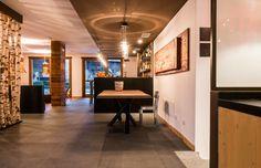 Nira Montana, Restaurant & SPa, La Thuile (AO) - HI LITE Next #lighting #design #fixtures AxoLight Spillray suspension #Foscarini Allegretto Vivace