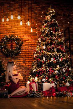 Christmas Couple, Christmas Post, Christmas Scenes, Merry Christmas And Happy New Year, Christmas Fashion, Christmas Photos, Christmas Balloons, Christmas Decorations, Christmas Photography