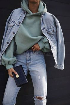 Casual Outfit For Spring Green Hoodie With Light Wash Jeans * lässiges outfit für frühlingsgrünen hoodie mit light wash jeans * tenue décontractée pour sweat à capuche vert printemps avec un jean délavé clair Casual Winter Outfits, Winter Fashion Outfits, Look Fashion, Spring Outfits, 80s Fashion, Fashion 2020, Stylish Outfits, Autumn Outfits, Korean Fashion