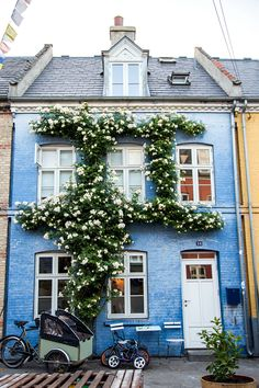 The Best Overlooked Spots and Hidden Gems in Copenhagen Beautiful Buildings, Beautiful Homes, Beautiful Places, Denmark House, Cute House, Cecile, City Aesthetic, Interior Exterior, House Goals