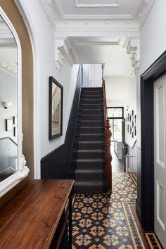 Victorian Terrace Hallway, Edwardian Hallway, Edwardian House, Victorian Stairs, Victorian House Interiors, Victorian Townhouse, Victorian Homes, Tiled Hallway, Modern Hallway